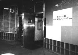 club deluxe entrance